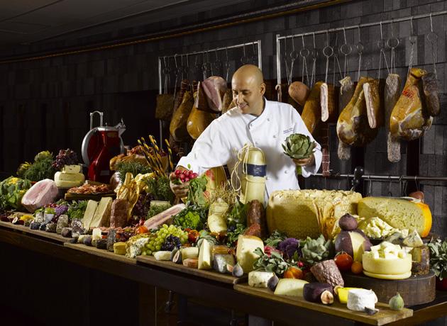 regent-singapore-a-four-seasons-hotel_basilico_festive_chefs-table-2-1