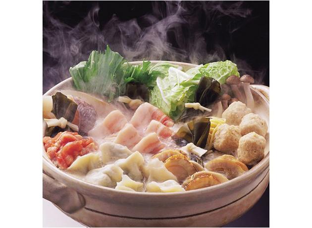 野菜と肉のうまみが濃縮されたスープも美味
