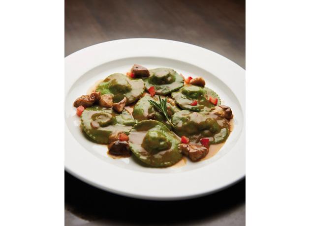 ravioli-di-carne-con-salsa-ai-funghi-aqua