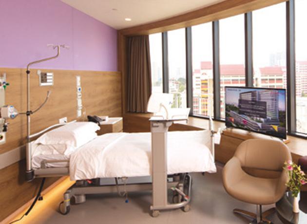 ファーラーパークホスピタルには最新の医療施設が整っており、専門医との連携で迅速かつ適切な医療サービスが受けられる