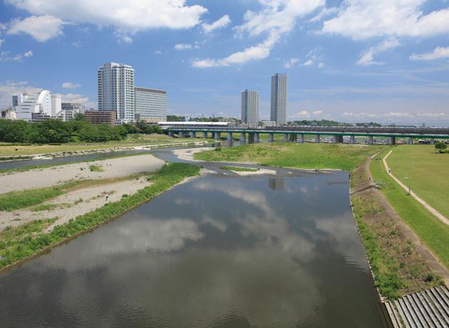 二子玉川周辺は商業施設は充実してるものの、高層ビルも少なく川沿いならではの開けた風景が心安らぐ