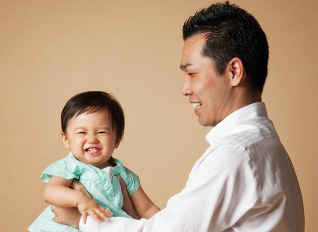 1 歳の時の写真。顔立ちは、すでに父親の面影を感じられる