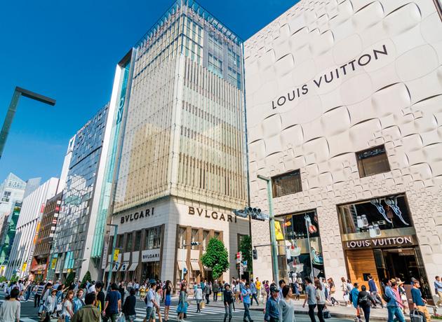 終日買い物を満喫できる、日本の一等地である銀座